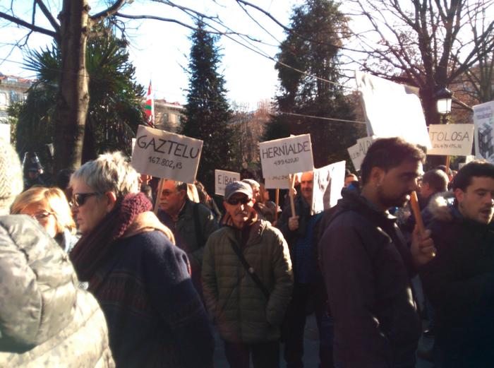 Erraustegiaren lanak adjudikatu ditu GHK-k, protesten artean
