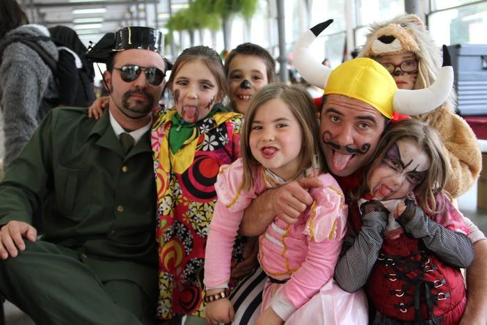 «Inauteriak: festa, parranda eta lana»