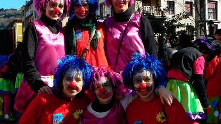 «Giro berezia ematen diote txarangek inauteriei»