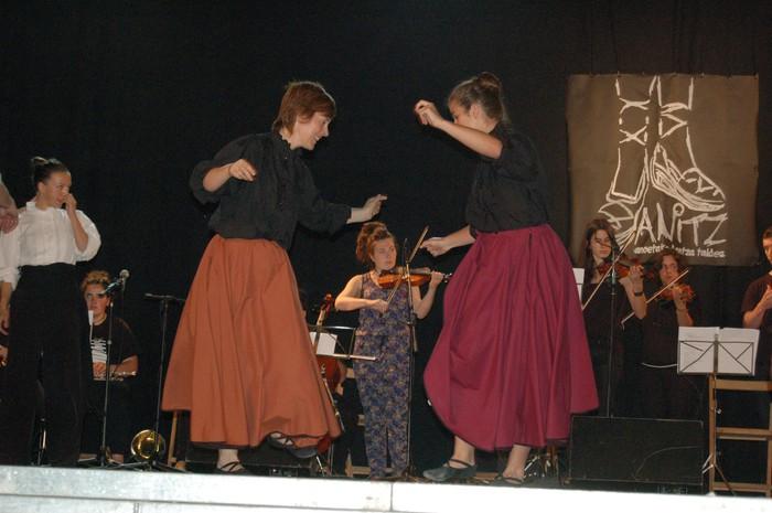 Anitz dantza taldeak izen emateko epea zabaldu du