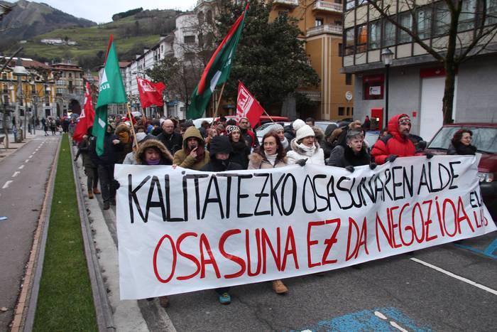 Manifestazio jendetsua osasun publikoaren alde
