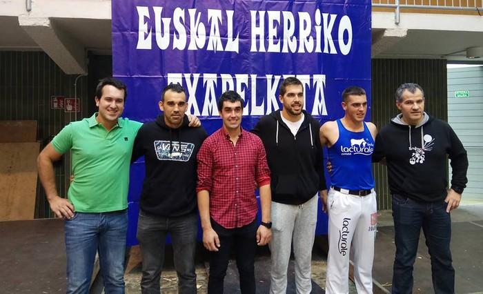 Otaegi aizkolaria Euskal Herriko Lehen Mailako Aizkora Txapelketaren finalean