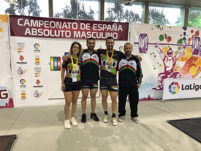 Susana Davilak eta Mikel Alvarezek brontzea lortu dute Espainiakoan