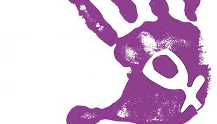 La Manada kasuko epaiaren aurka mobilizatzera deitu du eskualdea, mugimendu feministak