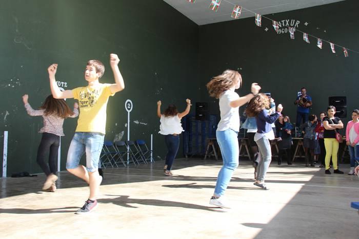 Aldabatarrak San Migel festak hasi zain