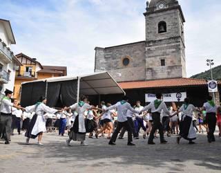 Dantzak bete du plaza