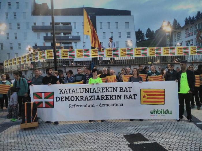 Kataluniako erreferenduma babestu dute - 12