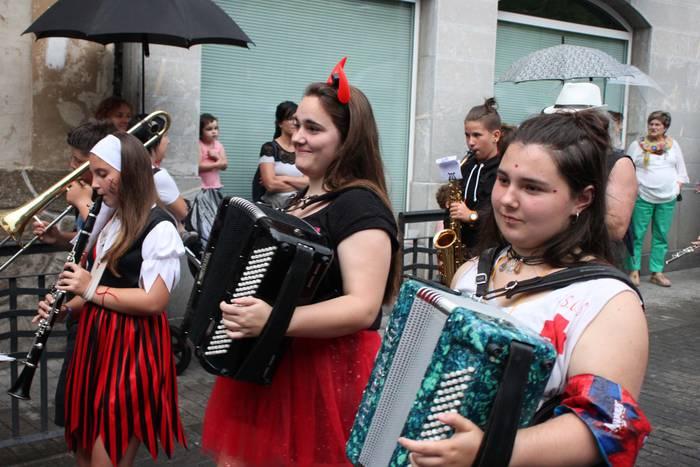 Asteburuan zer Tolosaldean? Alegiako festak, Asteasuko Santamaña, musika...