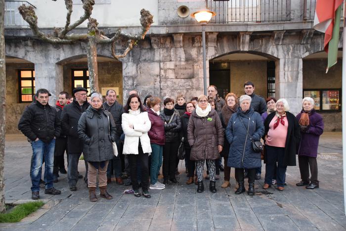 Aldarrikapena plazara atera dute Amasa-Villabonan