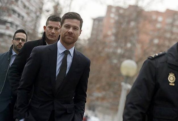 Hirugarren aldiz salatu dute Xabi Alonso iruzur fiskalagatik