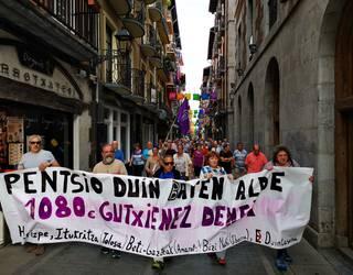 """""""Pentsio duinen"""" aldeko aldarria berriro kalera atera dute"""