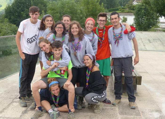 Scout kataluniarrak, Abaltzisketan