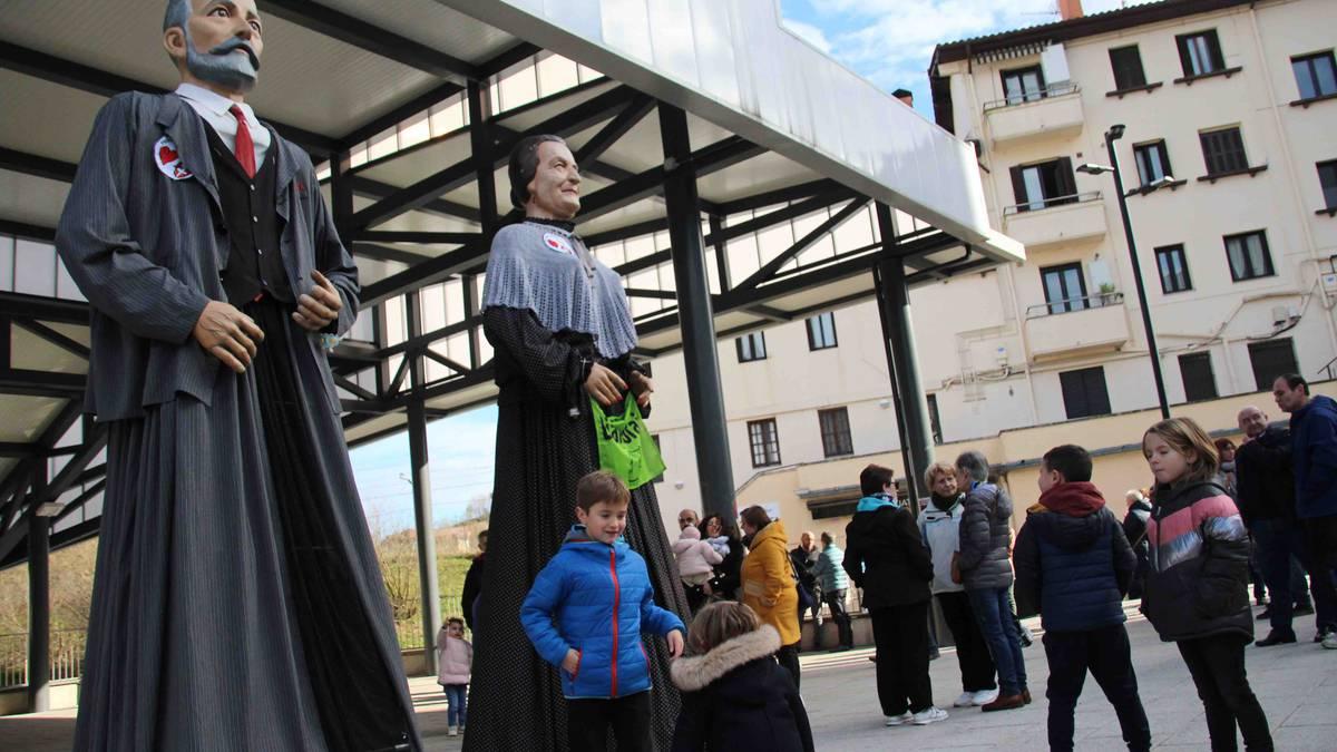 Saihesbidearen alde, festa eta protesta