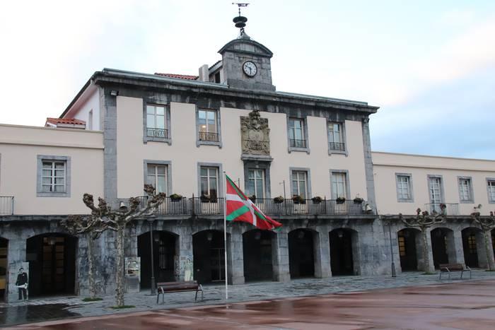 Amasa-Villabonako saltokien %87 da zerbitzua euskaraz emateko gai