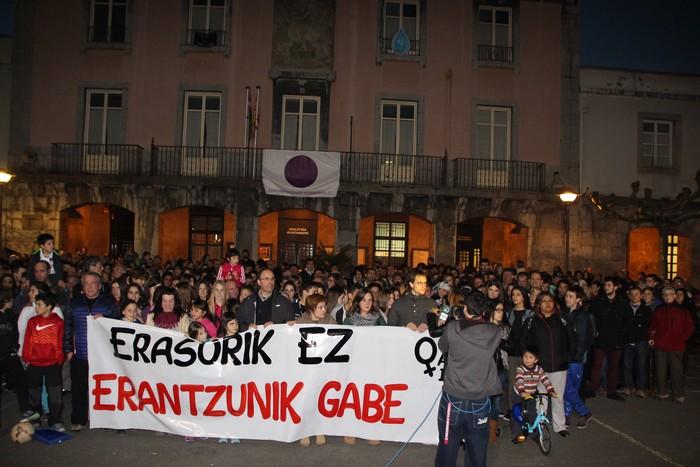 Bi dolu egun izendatu dituzte Villabonan, erailketa matxistaren aurka