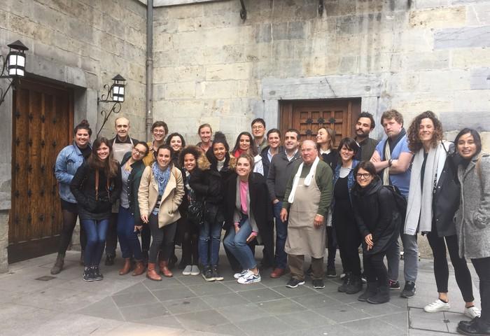 Tolosako babarrunaren zaporea ezagutu dute Italiako 30 ikaslek