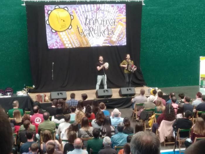 Albizturgo Malbadi anaiak Euskal Herriko trikitixa txapelketan izan dira
