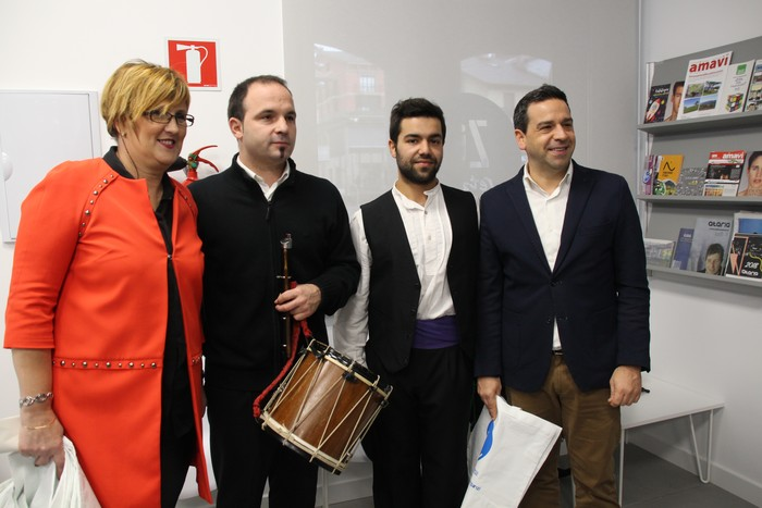 'Zuretzat' zerbitzua inauguratu dute Villabonan