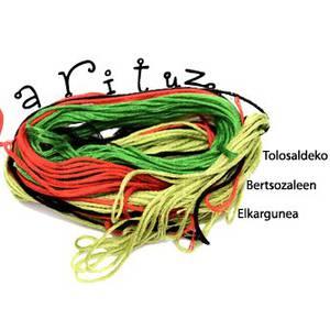 Bertso-eskoletako ikasleek kurtso amaierako bertso saioak ekaini dituzte