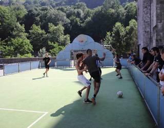 Futbolean aritu dira Gazteburuan
