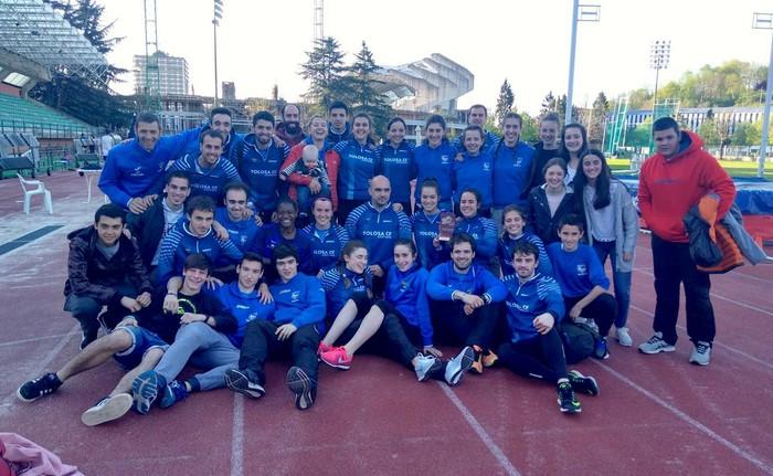 Tolosa CF Atletismo taldeko neskak, hirugarren Euskadiko kluben arteko txapelketan