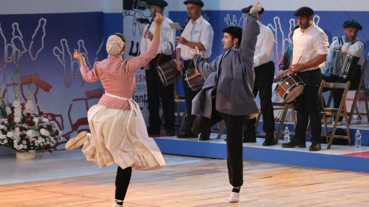 Bi dantzarik ordezkatuko dute Tolosaldea, Segurako suelto txapelketan