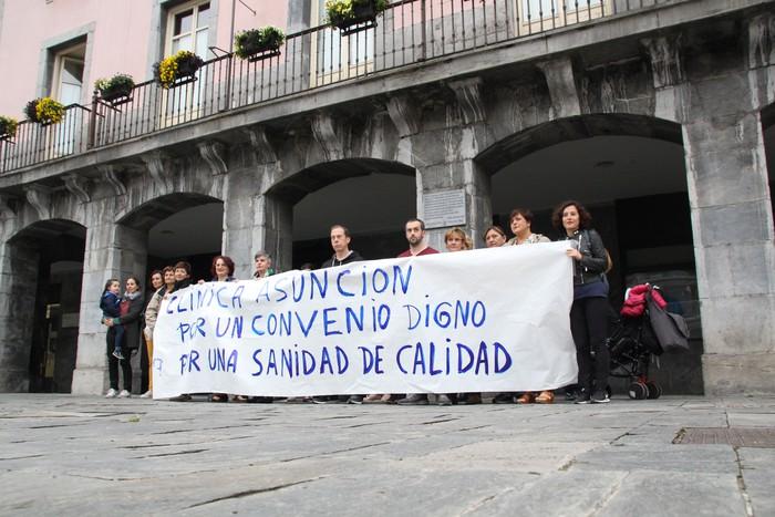 Asuncion klinikako langileek hitzarmen duin bat eskatu dute Villabonan
