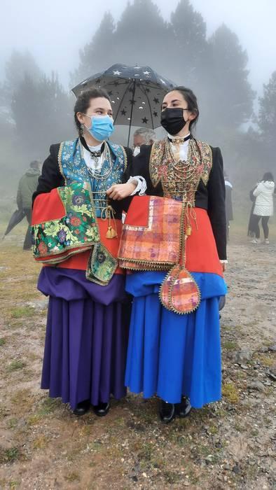 Erronkari bailarako jantzi tradizionalak.