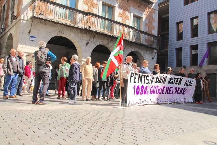 Bat egiten dugu pentsio sistema publiko eta duinaren aldeko manifestazioarekin