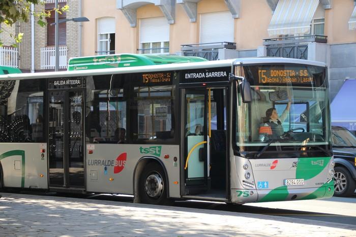 """EH Bilduri """"manipulazioa"""" egotziz, autobus zerbitzua indartu duela azaldu du Gipuzkoako Foru Alduandiak"""