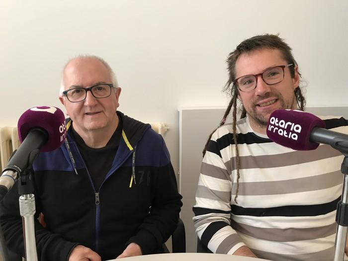 Antton Iztueta: «Hamar urte pasa nituen, denbora librean, euskarazko programak VHSan grabatzen»