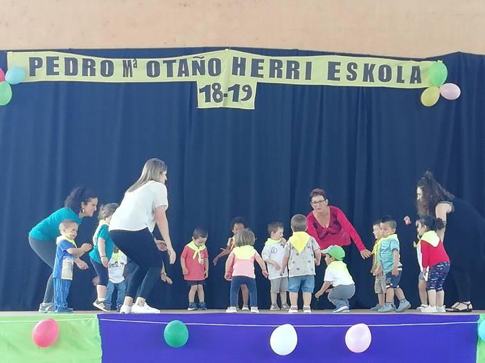 Egun osoko festa Pedro Mari Otaño ikastetxean