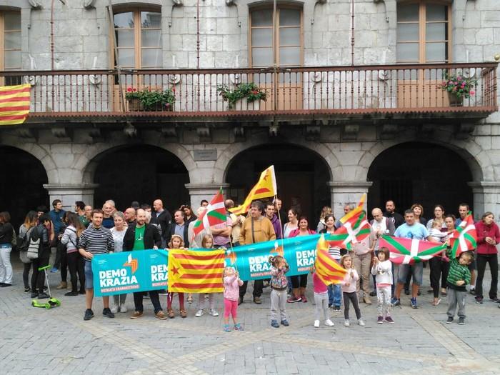 Kataluniako erreferenduma babestu dute - 8