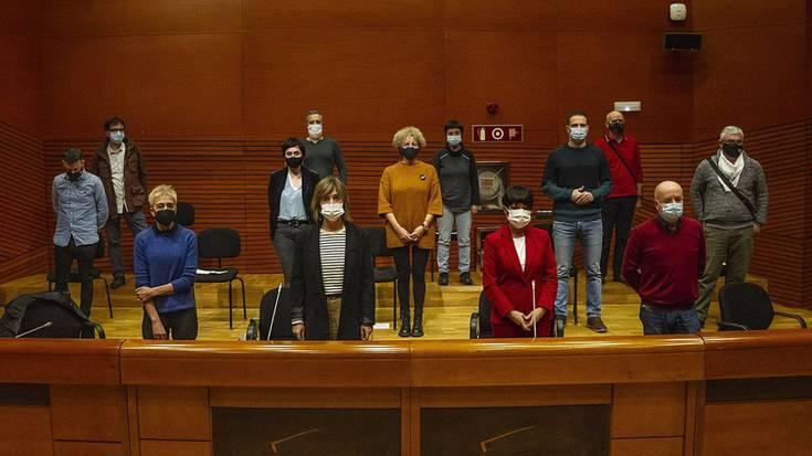 EH Bildu eta EAJko udal ordezkariek bat egin dute espetxe politikari buruzko Euskaldunako Adierazpenarekin