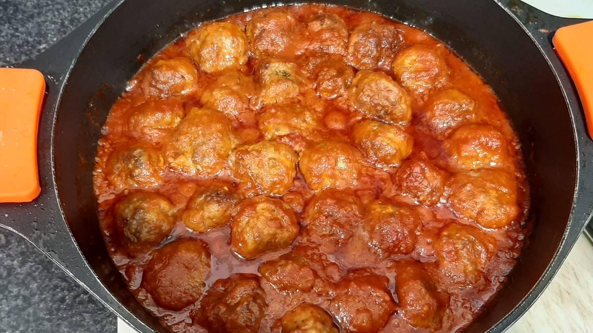 Haragi bolak tomatearekin